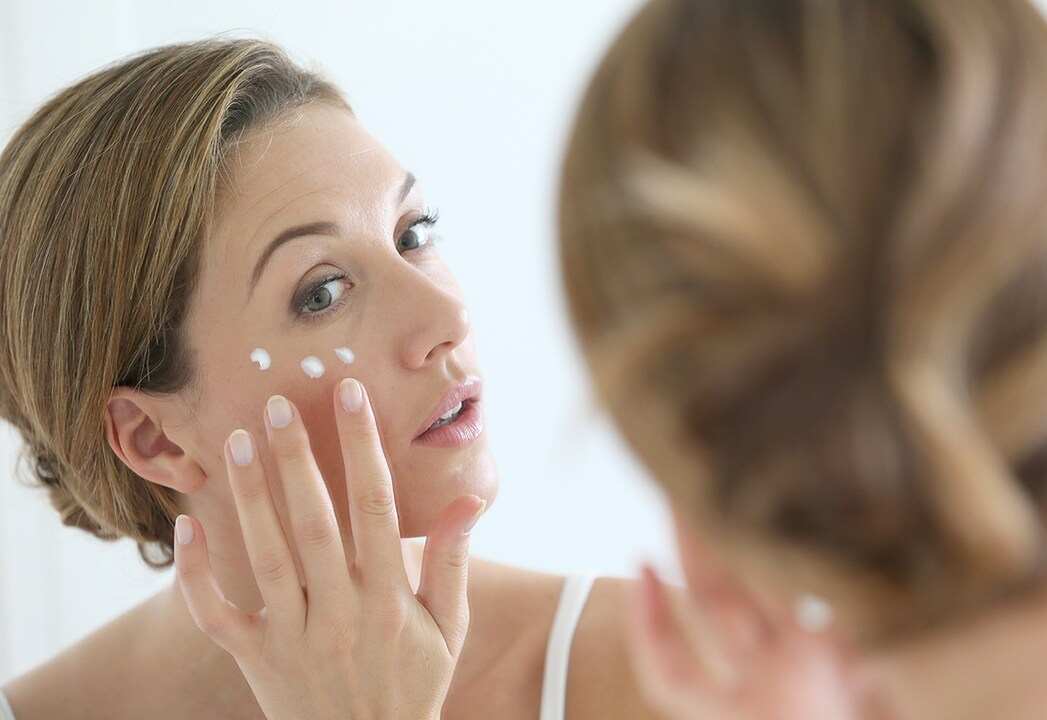 Zimowa pielęgnacja Twojej skóry w domowym zaciszu, czyli ochrona skóry przed, w trakcie i po zabiegach w gabinecie