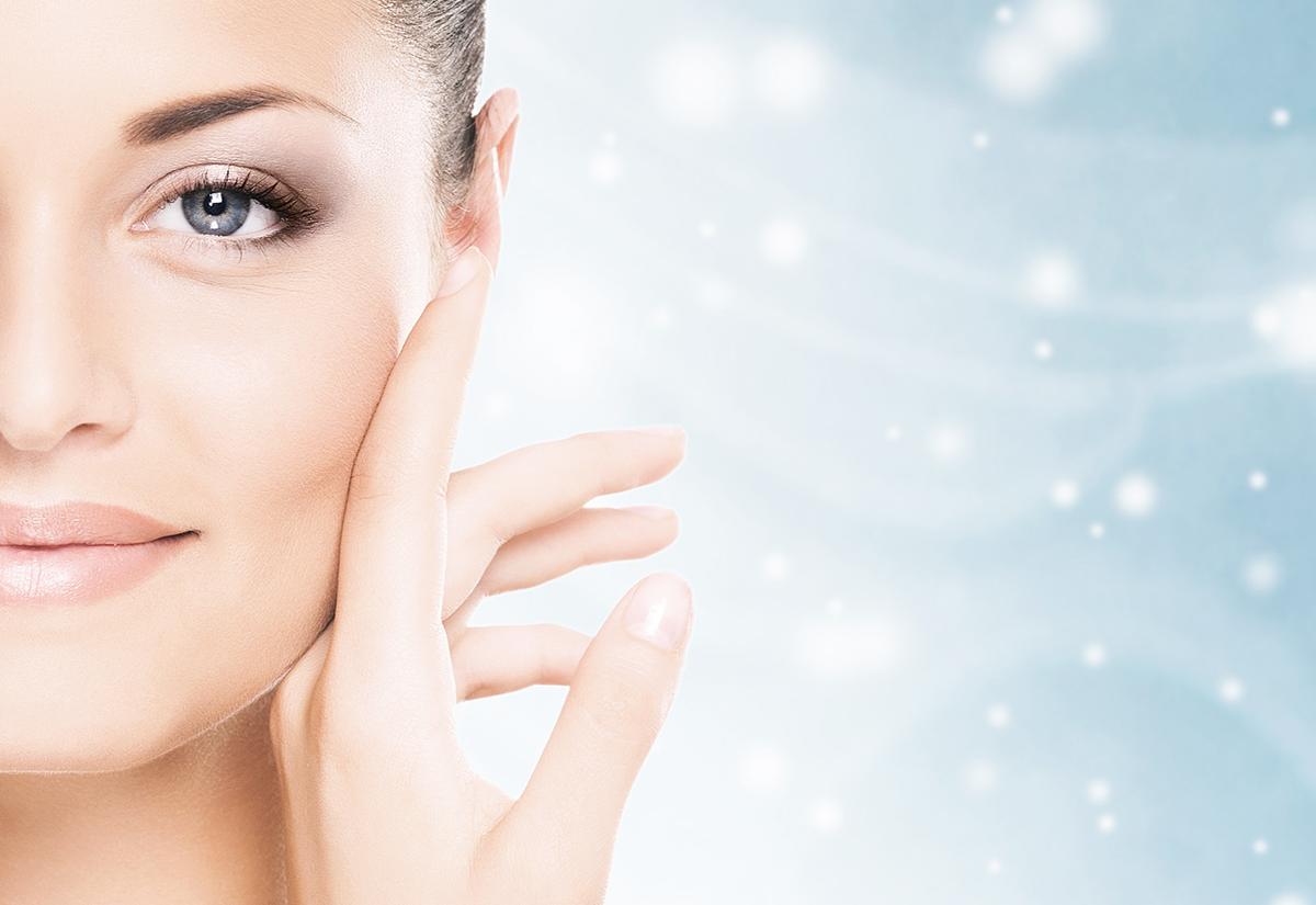 Zabiegi kosmetyczne zimą w Twoim Gabinecie – co polecać Klientom, jak dbać o ich skórę zimą