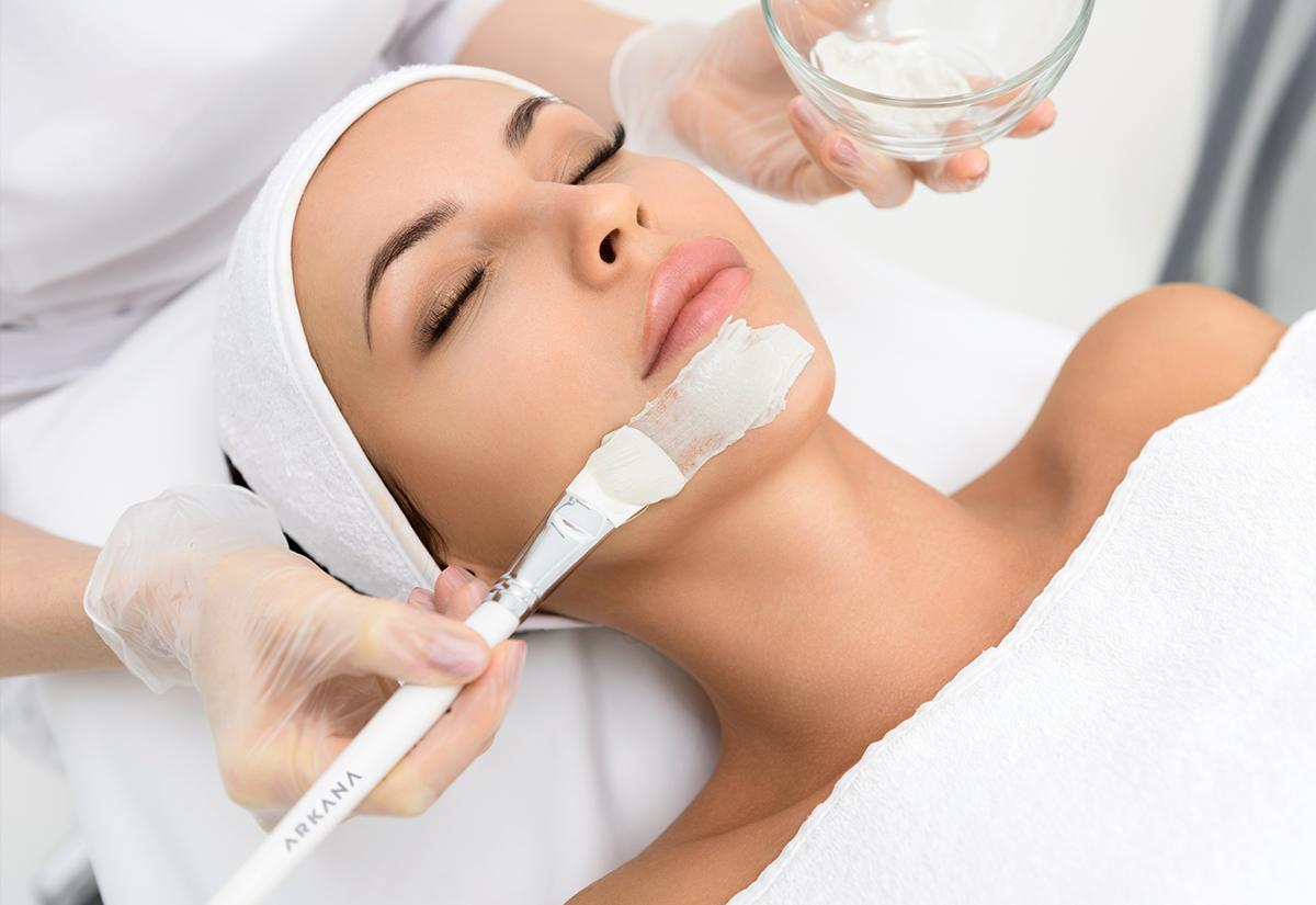 Maski jako uzupełnienie zabiegów z użyciem peelingów, mezoterapii czy zabiegów z urządzeniami