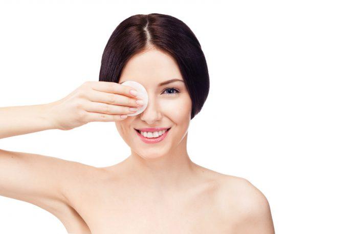 Demakijaż – pierwszy krok do zdrowej skóry