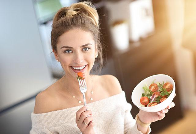 Wpływ diety na skórę - czyli jaka dieta na ładną cerę?