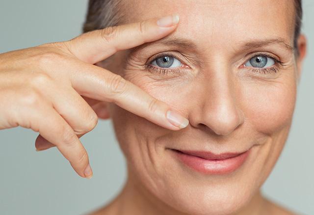 Ile lat ma Twoje spojrzenie? Pielęgnacja skóry wokół oczu